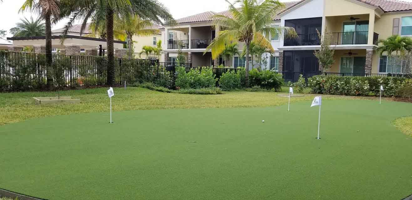 Installation Putting Green Grass For Backyard Home Fort ...